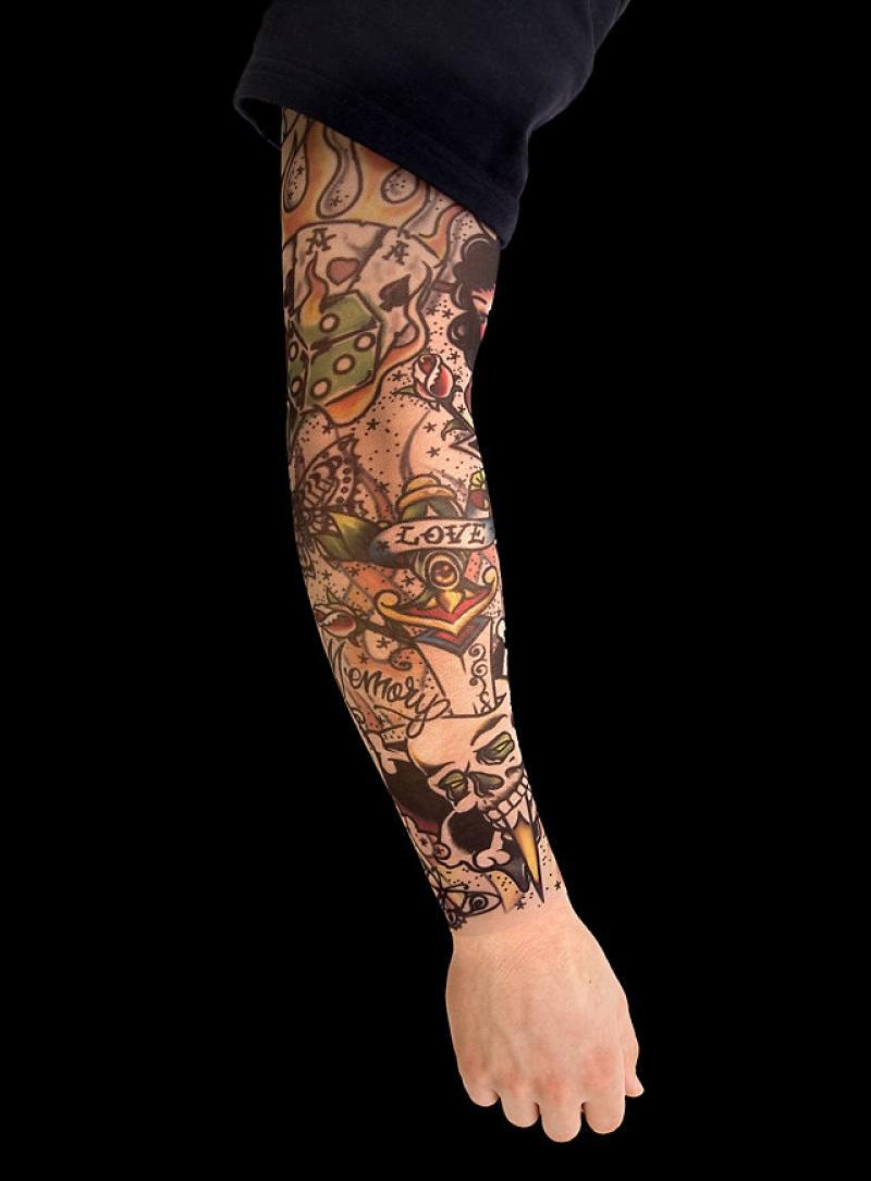 Tatouage manchette homme l 39 emplacement viril choisir - Manchette tatouage femme ...