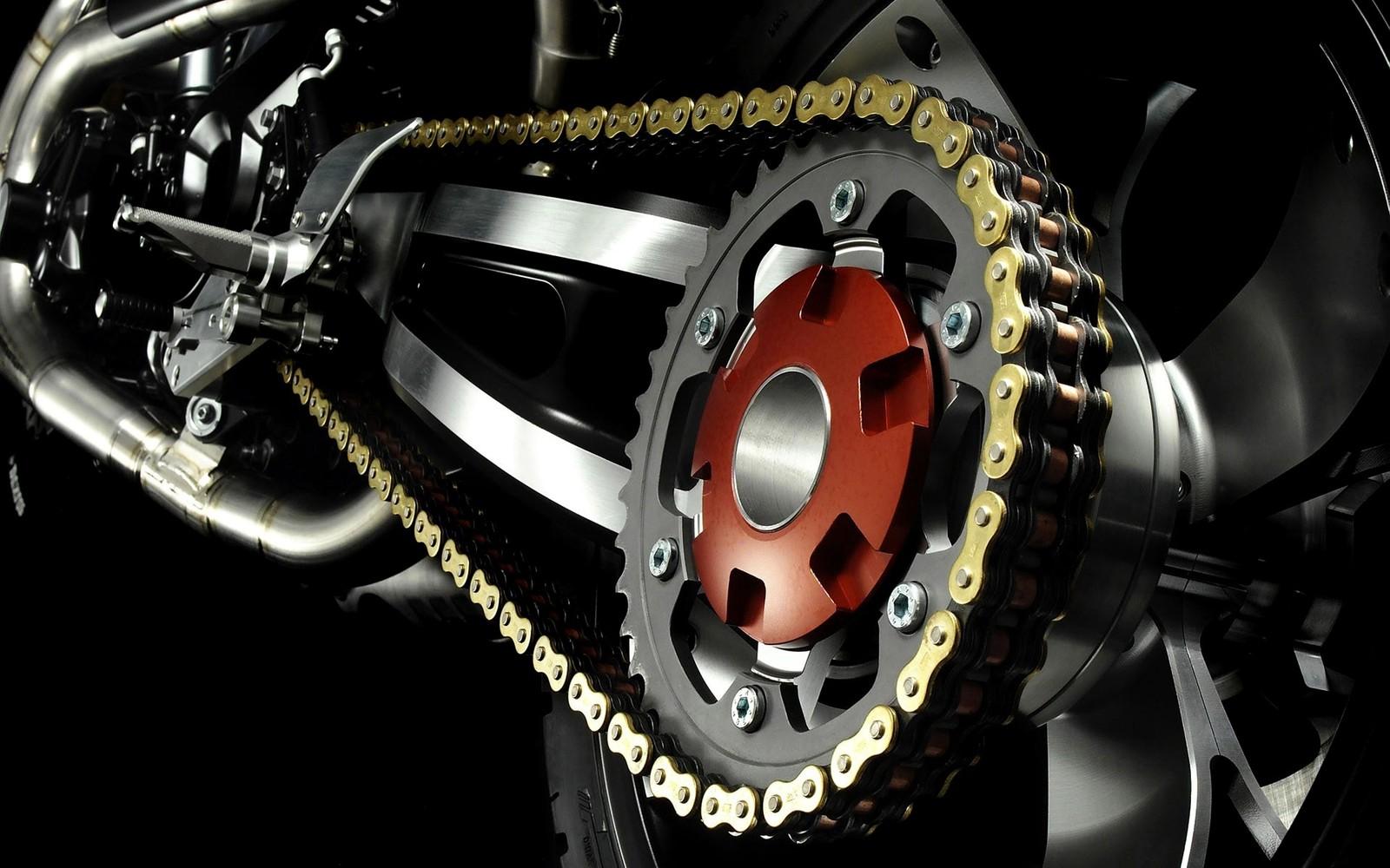 Que comprend un kit chaîne moto?