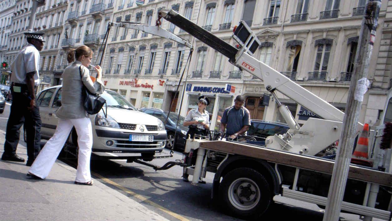 Est-il payant de reprendre sa voiture à la fourrière après qu'elle ait été enlevée par celle-ci ?